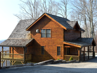 Black Bear Lodge at Scenic Wolf Resort